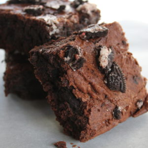 peppermint-oreo-brownies
